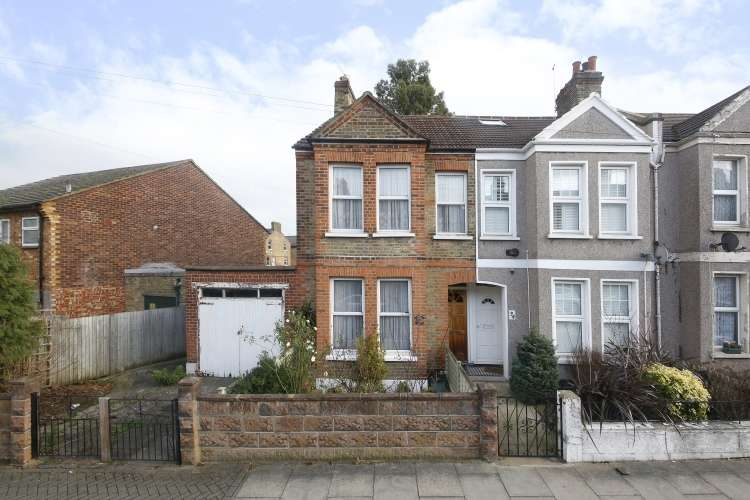 2 Bedrooms End Of Terrace House for sale in Lutwyche Road London SE6