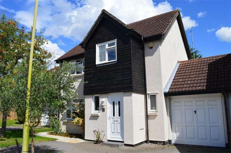 4 Bedrooms Detached House for sale in 9 Abbotts Way, Thorley Park, Bishop's Stortford