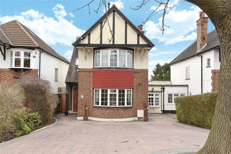 5 Bedrooms Detached House for sale in Eastcote Road, Ruislip, Middlesex, HA4