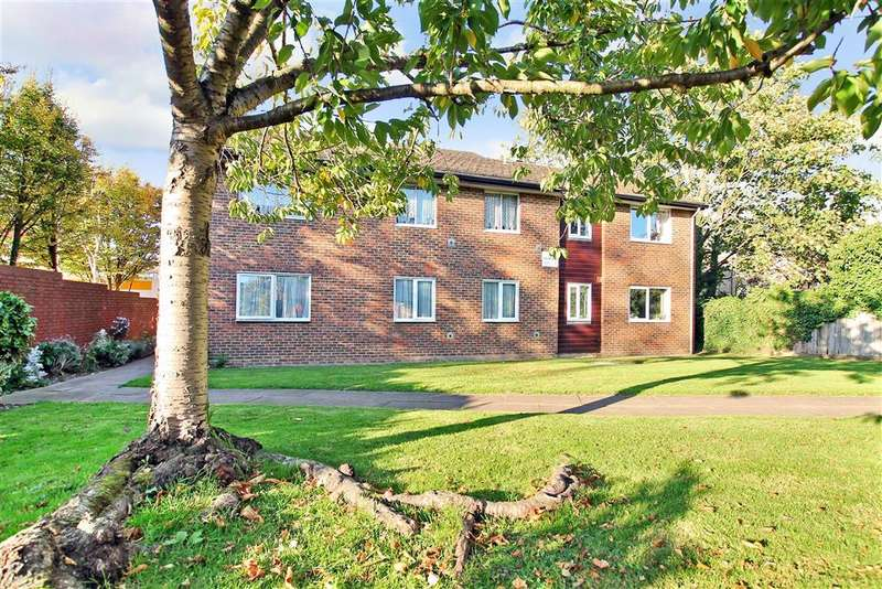 2 Bedrooms Flat for sale in Cheam Road, , Sutton, Surrey