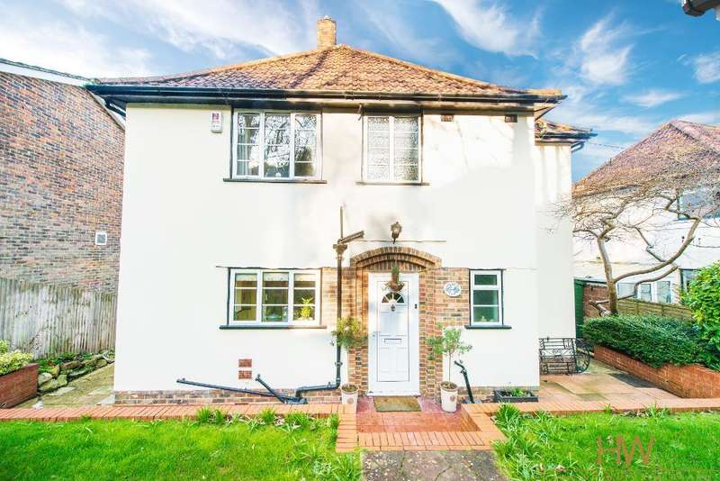 3 Bedrooms Detached House for rent in Tongdean Lane, Brighton, East Sussex, BN1 5JE