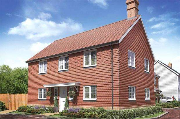 4 Bedrooms Detached House for sale in The Woodlands, Sandy Lane, Church Crookham
