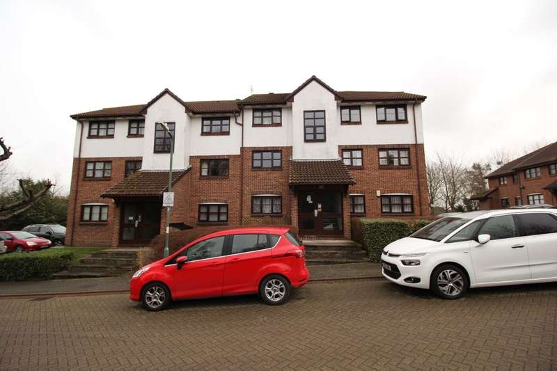1 Bedroom Flat for sale in Swallow Close, Greenhithe, DA9