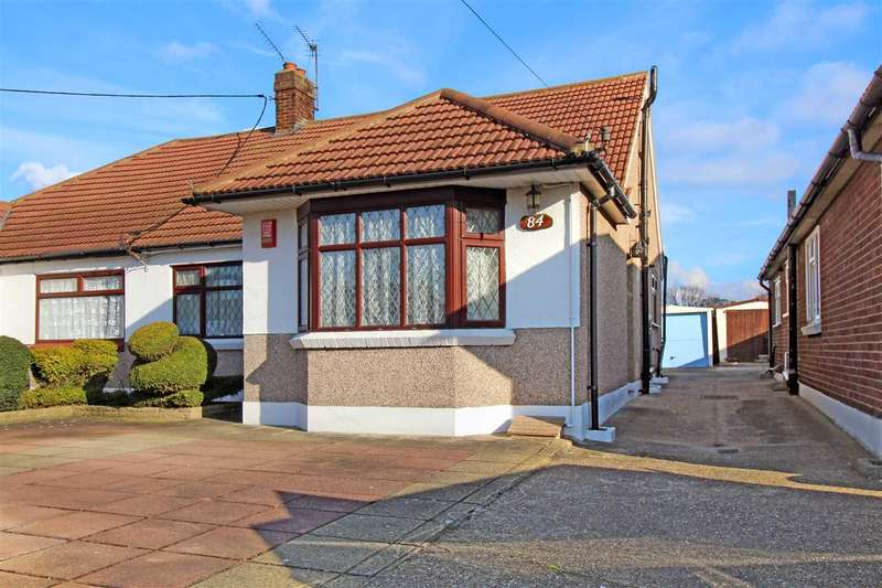 3 Bedrooms Bungalow for sale in Thorndon Avenue, West Horndon, Brentwood