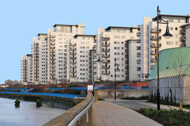 2 Bedrooms Apartment Flat for rent in Wyatt Point, Erebus Drive, SE28 0GL