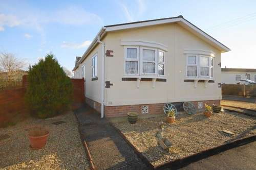 2 Bedrooms Park Home Mobile Home for sale in a Hillbury Park, Hillbury Road, Alderholt, Dorset