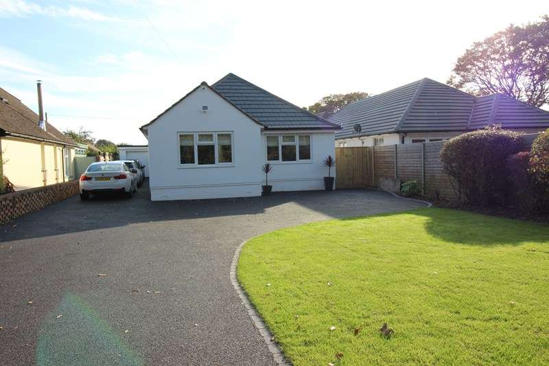 3 Bedrooms Detached Bungalow for sale in Wainsford Road, Everton, Lymington