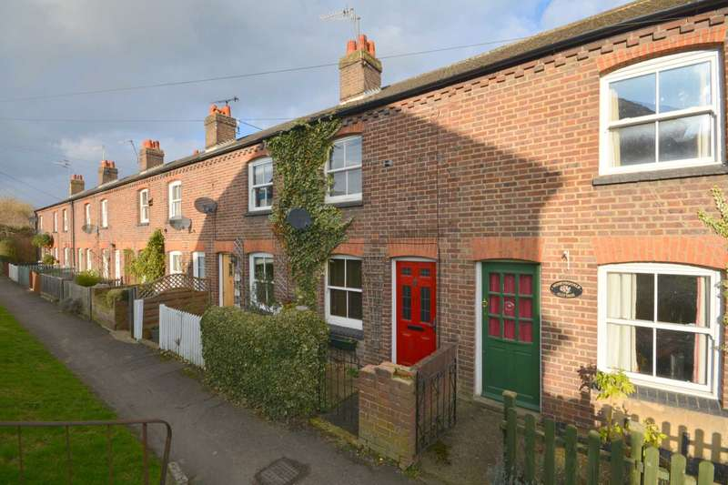 2 Bedrooms Cottage House for sale in Woodley Hill, Chesham HP5