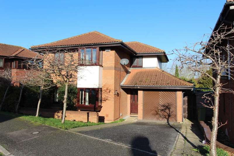 3 Bedrooms Detached House for sale in Gatcombe, Milton Keynes