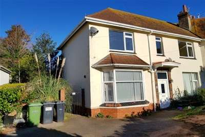 3 Bedrooms Flat for rent in Conway Crescent, Paignton