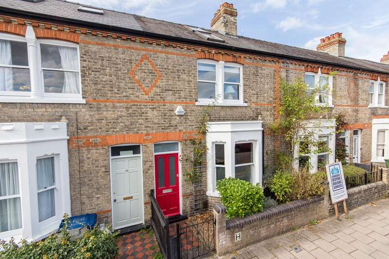 3 Bedrooms Terraced House for sale in Mackenzie Road, Cambridge