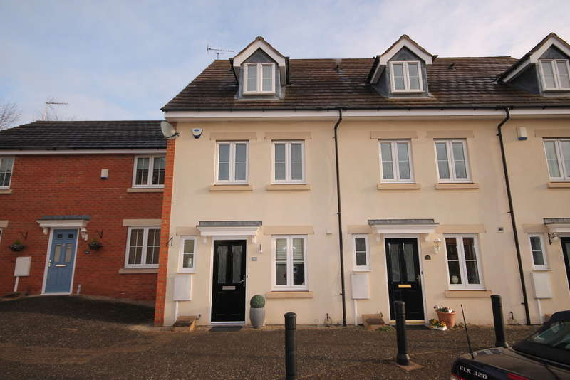 3 Bedrooms Town House for sale in Wood End Close, Sharnbrook, MK44