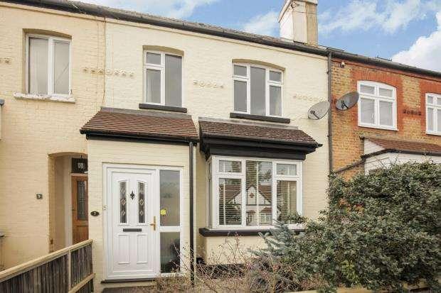 2 Bedrooms Terraced House for sale in Byfleet, Surrey