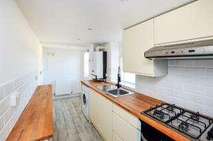 4 Bedrooms End Of Terrace House for sale in Barrow Hill Terrace, Ashford, Kent