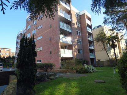 2 Bedrooms Flat for sale in 47 Lindsay Road, Branksome, Poole