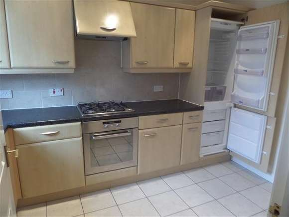 3 Bedrooms Town House for rent in Byland Close, Lincoln