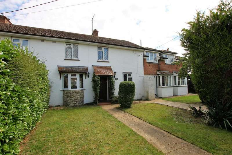 3 Bedrooms Village House for sale in Lower Road, Woodchurch TN26