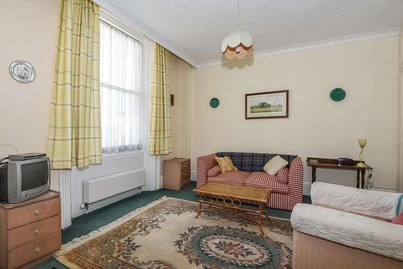 Studio Flat for sale in Collingham Road, London