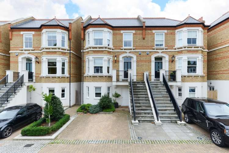 5 Bedrooms Semi Detached House for sale in Jerningham Road London SE14