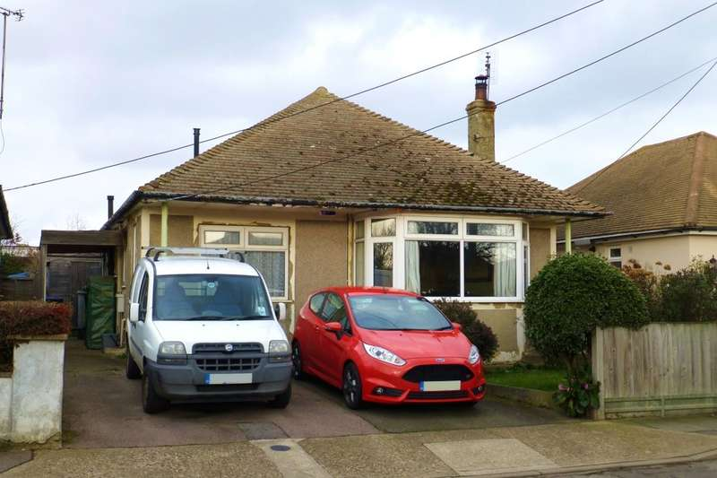 2 Bedrooms Detached Bungalow for sale in Kemp Road, Whitstable, CT5