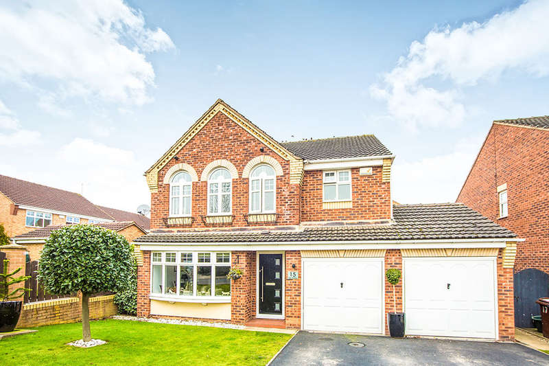 4 Bedrooms Detached House for sale in Crompton Drive, Morley, Leeds, LS27