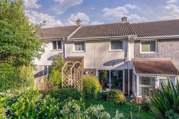 3 Bedrooms Terraced House for sale in Lynher Drive, Saltash, Cornwall