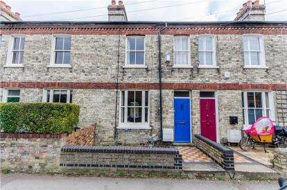 3 Bedrooms Terraced House for sale in Church Street, Chesterton, Cambridge