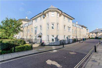 2 Bedrooms Flat for sale in Cambridge