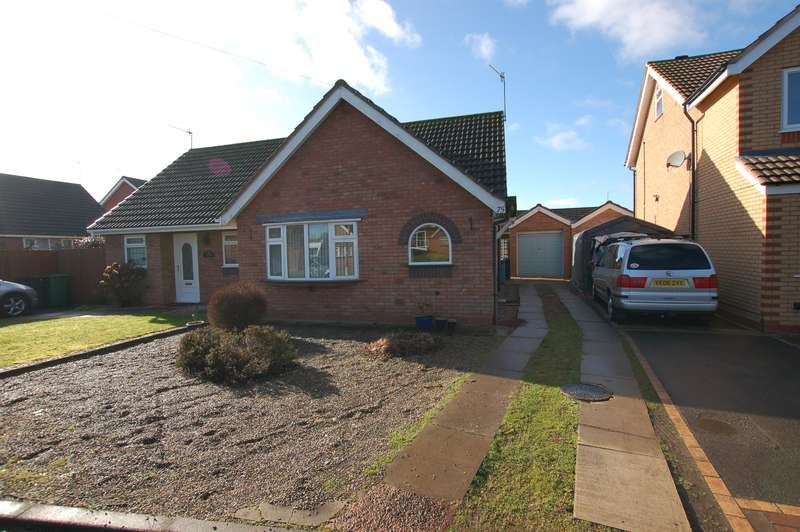 2 Bedrooms Bungalow for sale in Meadow Park Road, Stourbridge, DY8 4TU