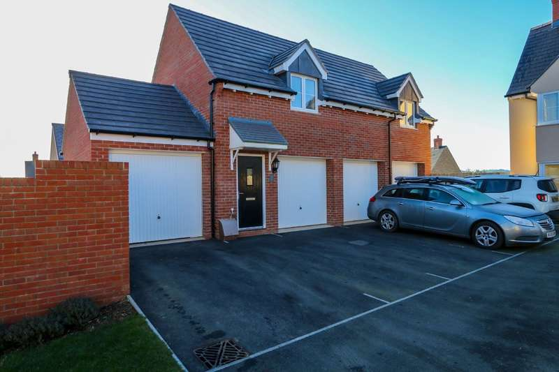 2 Bedrooms Detached House for sale in Symons Close, Bovey Tracey