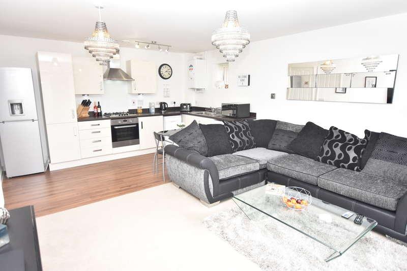 2 Bedrooms Flat for sale in Cunningham Way, Leavesden
