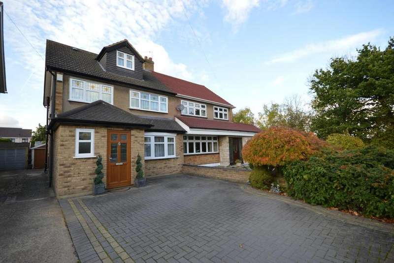 4 Bedrooms Semi Detached House for sale in Berkshire Way, Hornchurch, Essex, RM11
