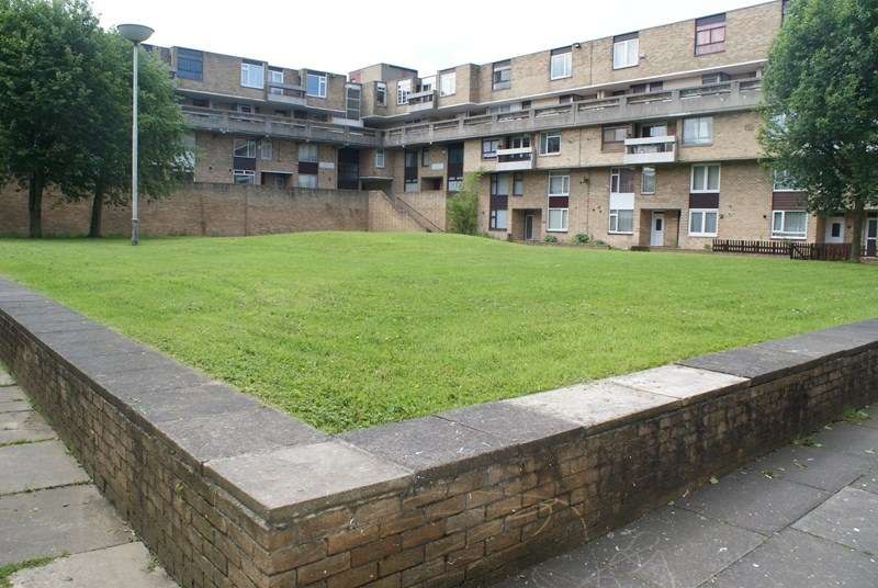 3 Bedrooms Maisonette Flat for sale in Waterloo Walk, Sulgrave, Washington, Tyne and Wear, NE37 3EL