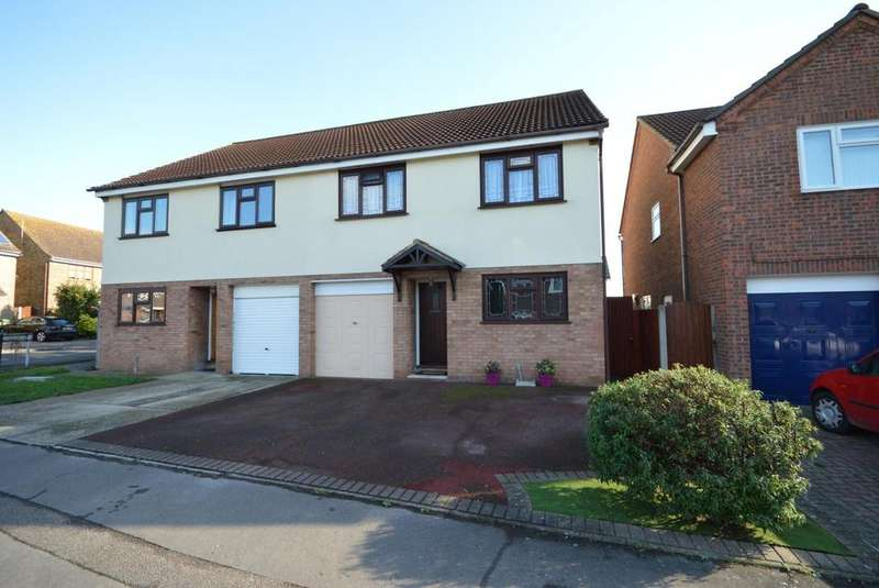 4 Bedrooms Semi Detached House for sale in Swanbourne Drive, Hornchurch, Essex, RM12