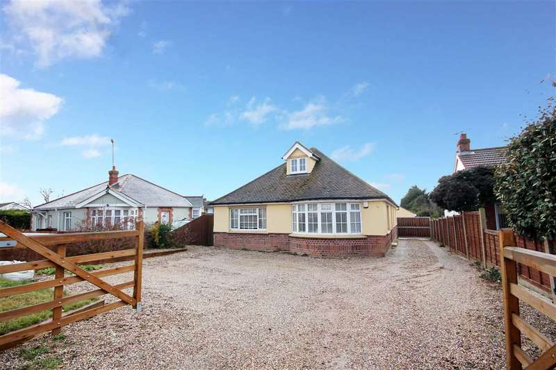 4 Bedrooms Bungalow for sale in St. Johns Road, Clacton-on-Sea
