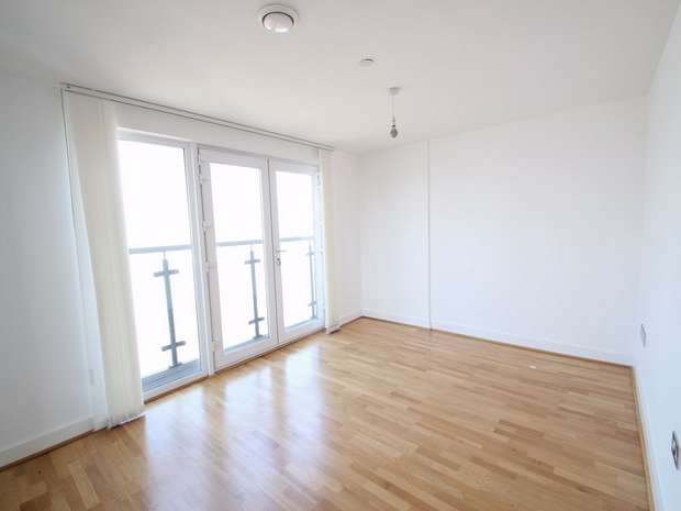 3 Bedrooms Flat for rent in Jigger Mast House, Mast Quay, London