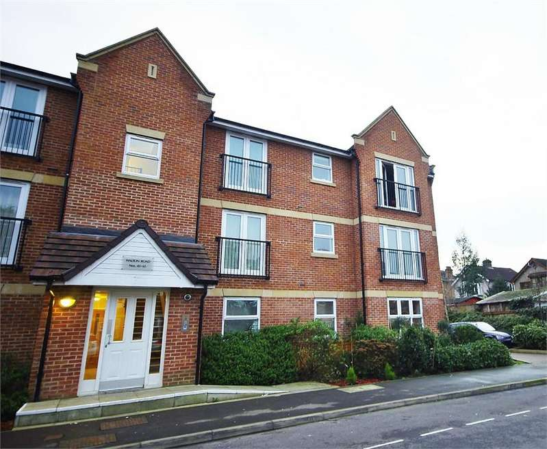 2 Bedrooms Flat Share for rent in Walton Road, Bushey, Hertfordshire, WD23
