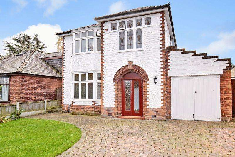 3 Bedrooms Detached House for sale in Clifton Road, Runcorn