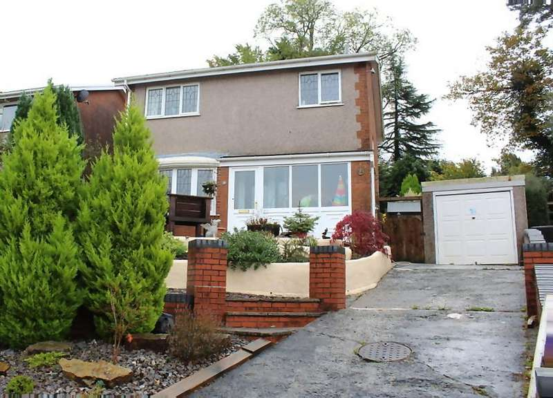 3 Bedrooms Detached House for sale in Fairoak, Ammanford