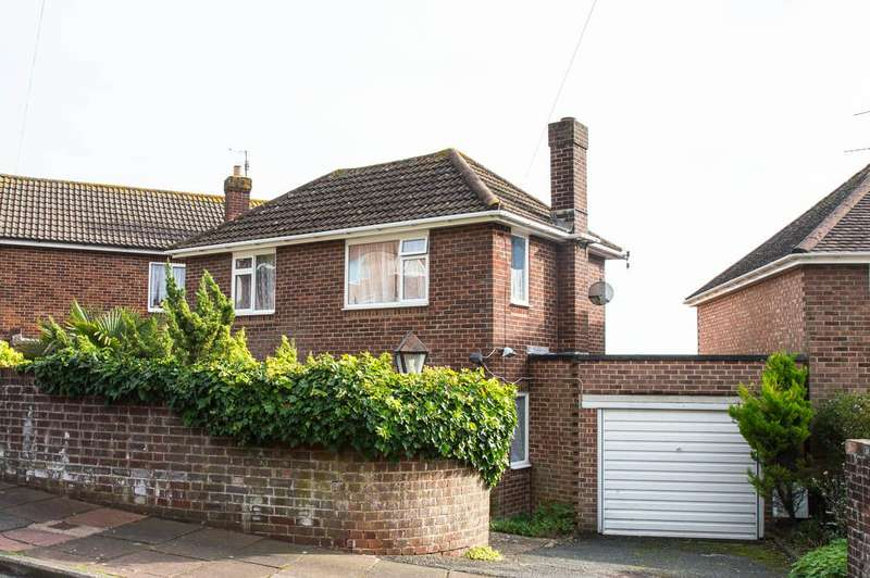 3 Bedrooms Detached House for sale in Peppercombe Road, Eastbourne