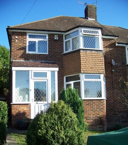 3 Bedrooms Semi Detached House for sale in Longmead Drive, Sidcup, Kent, DA14