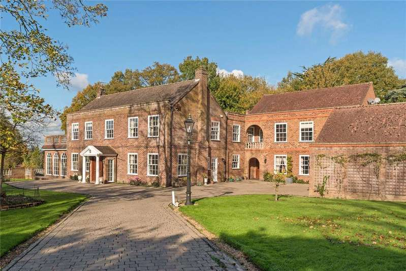 7 Bedrooms Detached House for rent in Norwood Hill, Horley, Surrey, RH6