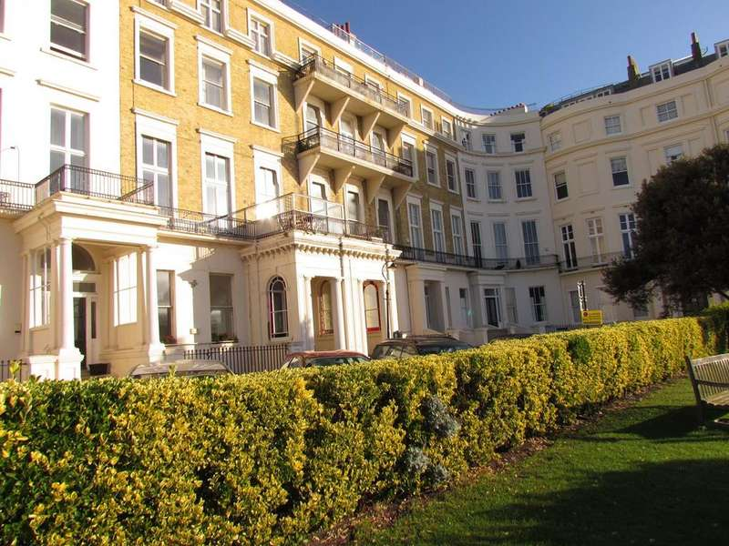 2 Bedrooms Apartment Flat for rent in Eastern Terrace, BRIGHTON, BN2