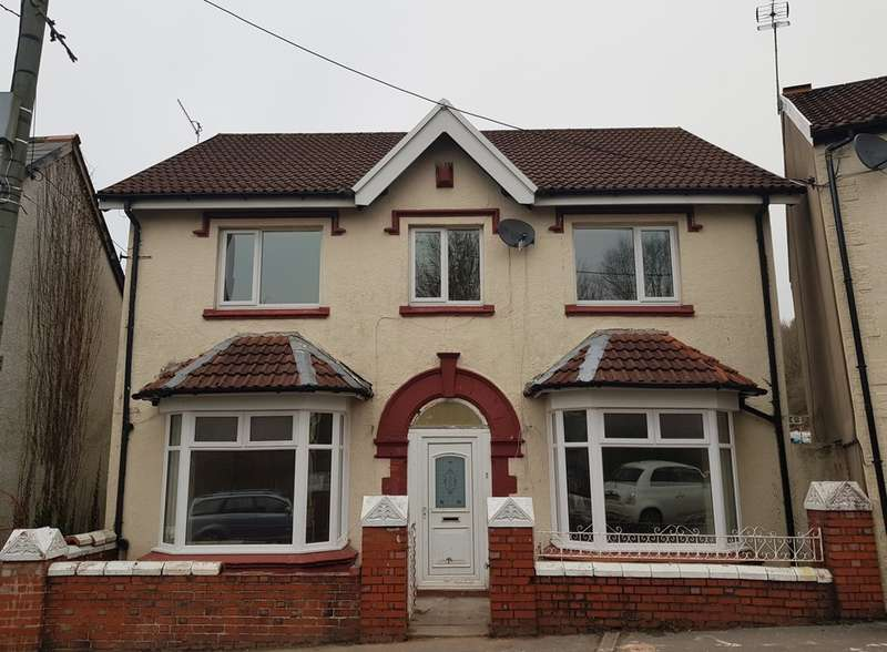4 Bedrooms Detached House for sale in School Road, Troedyrhiw, Merthyr Tydfil