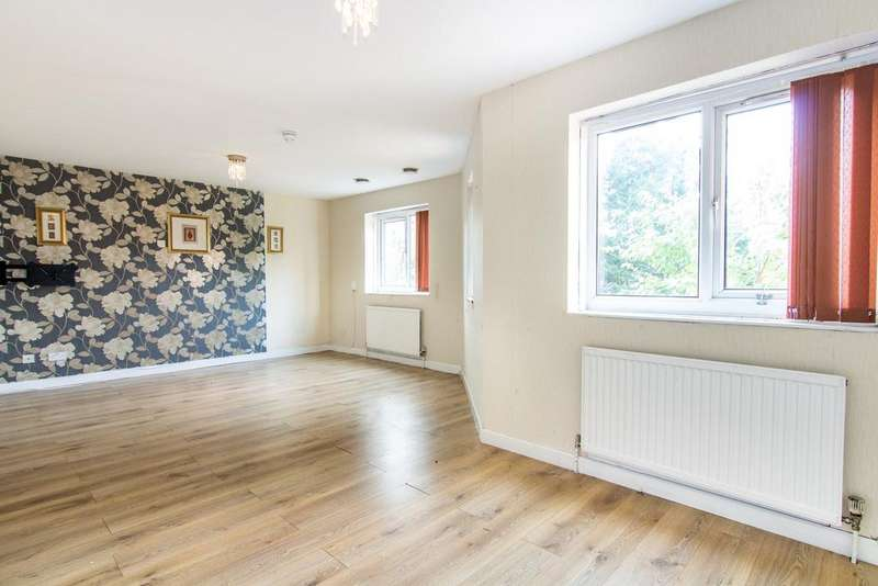 7 Bedrooms House for sale in Sentinel Close, Northolt