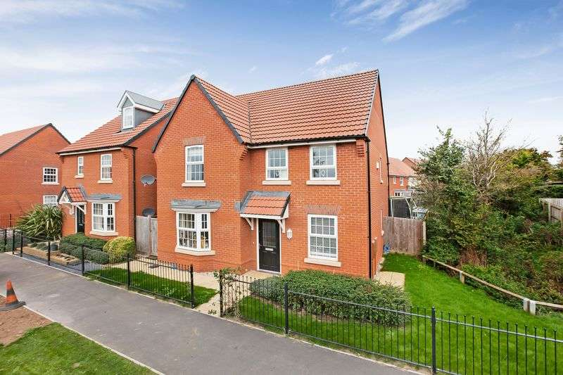 4 Bedrooms Property for sale in Sellicks Road Monkton Heathfield, Taunton