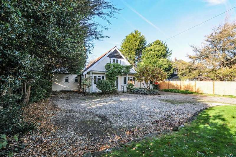 4 Bedrooms Detached House for sale in Yapton Road, Middleton-On-Sea