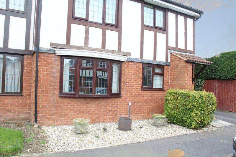 2 Bedrooms Apartment Flat for sale in Lingen Close, Castlefields, Shrewsbury, SY1 2UN