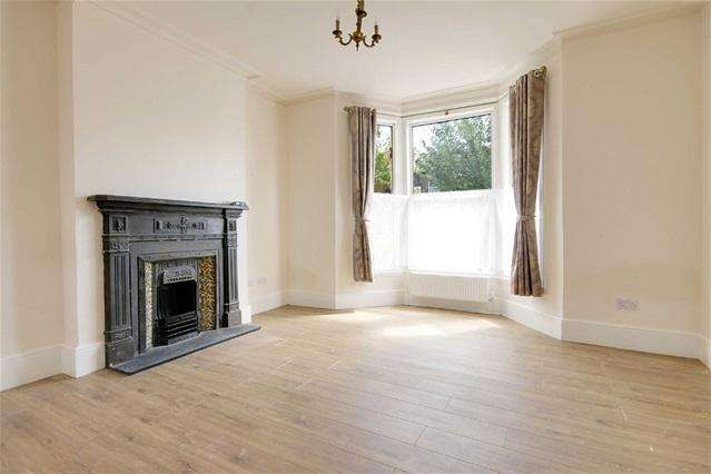 4 Bedrooms Terraced House for rent in Durham Road, Manor Park