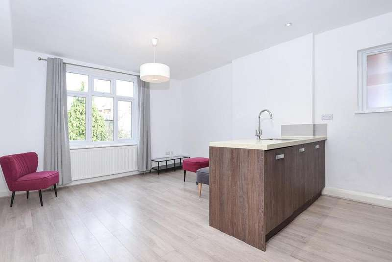 2 Bedrooms Flat for sale in Anson Road, Willesden Green